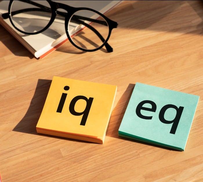 Emotionally intelligent people habits