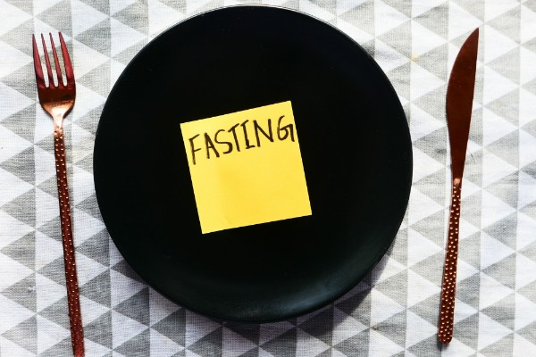 What is alternate day fasting
